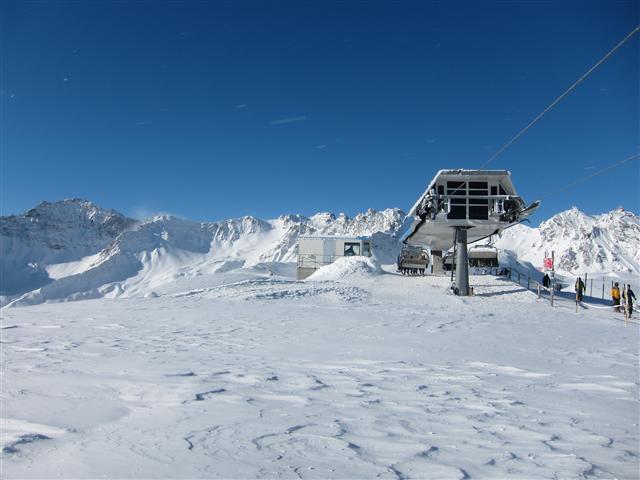 Ski and Snowboard Hasliberg