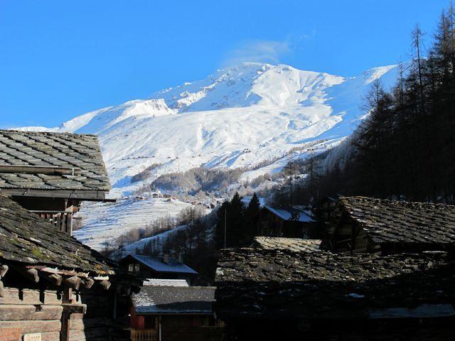 Ski and Snowboard La Forclaz