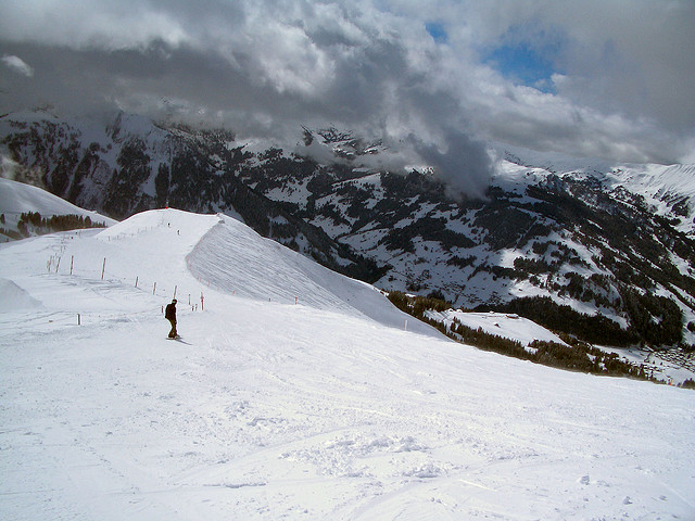Ski and Snowboard Lenk i. S.