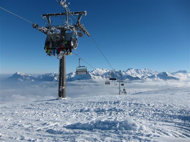 Ski and Snowboard Meiringen