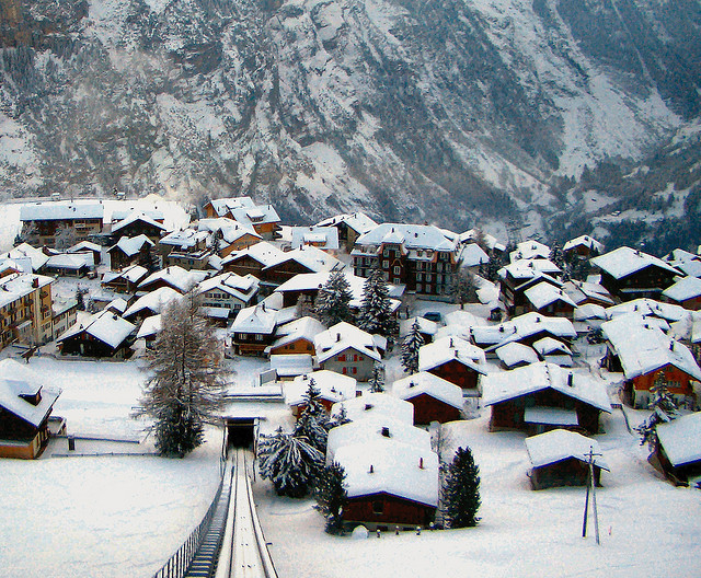 Ski Mürren by train