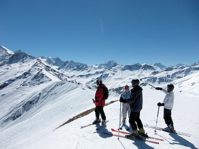 Ski and Snowboard St-Luc