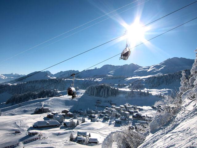 Ski and Snowboard Stoos