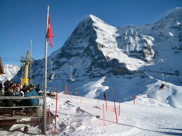 Ski Wengen by train