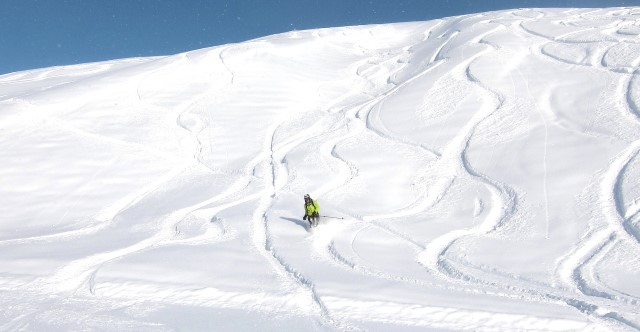 Ski Zürs by train