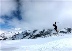 Snowboard and Ski interlaken (c) Nic Oatridge