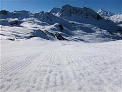 Snowboard and Ski vercorin (c) Nic Oatridge