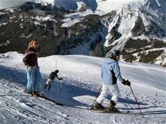 Snowboard and Ski bivio (c) Nic Oatridge