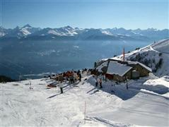 Snowboard and Ski valmustair (c) Nic Oatridge
