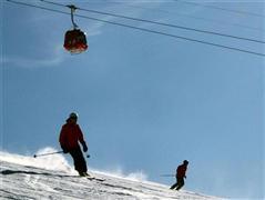 Snowboard and Ski heinzenberg (c) Nic Oatridge