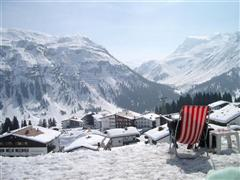 Snowboard and Ski visp (c) Nic Oatridge