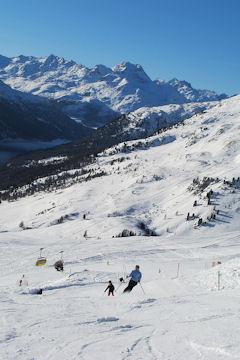 Snowboard and Ski grimmialp (c) Nic Oatridge